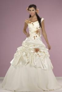 abiye nişan kına kıyafetleri