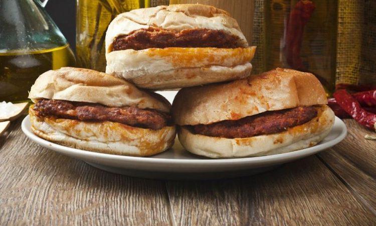 Islak hamburger nasıl yapılır? Evde ıslak hamburger yapımının tarifi ve püf noktaları